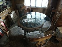 Table glass top in Yucca Valley, California