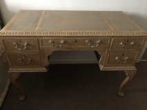 Beautiful writing desk/dressing table in Lakenheath, UK