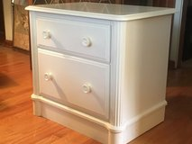 2-Drawer Dresser Table in Wheaton, Illinois