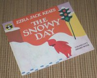 Vintage 1976 The Snowy Day Soft Cover Book in Yorkville, Illinois