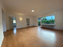 Large One family house, 6 BR, 2BA, garage- 20 minutes to Clay in Wiesbaden, GE