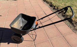 Lawn Spreader in Alamogordo, New Mexico