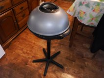 """George Foreman 22"""" round indoor grill in Chicago, Illinois"""