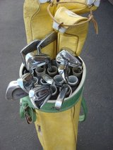 GOLF BAG AND 14 CLUBS in Sugar Grove, Illinois