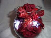 Potpourri lighted fluted vase, Christmas. New in Fort Hood, Texas