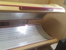 32 Lamp 220V Commercial Tanning Bed with Face Tanners in DeRidder, Louisiana