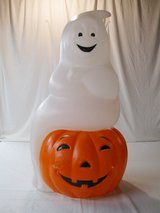 Ghost/Pumpkin Blow Mold in Chicago, Illinois