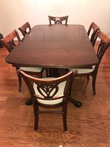 Dining Room Table and six chairs in Beaufort, South Carolina