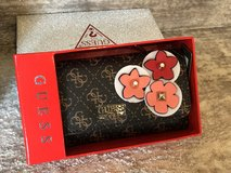New Guess 3D Floral Detail Trifold Wallet Clutch in Gift box in Aurora, Illinois