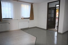 Cozy 1 Bedroom Ground Floor Apartment! 13 mins to Ramstein in Ramstein, Germany