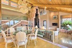 6 dining room chairs in 29 Palms, California