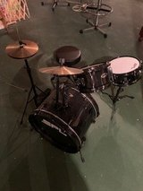 Drums set in Glendale Heights, Illinois