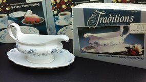 New Gravy Boat-Johann Haviland Porcelain *Reduced* in Plainfield, Illinois