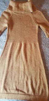 Gorgeous!  Ann Taylor Loft Sweater Dress/Tunic Size Small in Bolingbrook, Illinois