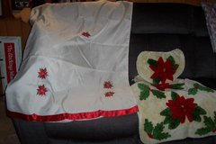 poinsettia shower curtain and toilet rugs in Kingwood, Texas