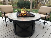 Dura Flame Log Fire ?? Pit Table. in St. Charles, Illinois
