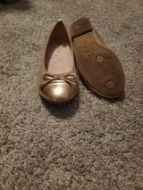 Girls size 4 shoes in Yorkville, Illinois