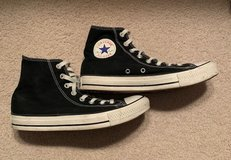 Mens Size 7 Converse High Tops in Yorkville, Illinois