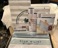 NIB Coastal themed place mats (6), table runner & 2 throws in Stuttgart, GE
