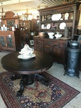 beautiful round hunting style table with ornate foot in Spangdahlem, Germany