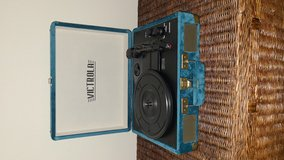 Bluetooth portable turntable audio speaker/record player in Fairfield, California