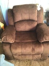 2 Bonzy Home Recliners    Will Trade one for larger recliner in Hopkinsville, Kentucky