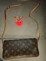 Authentic Louis vuitton purse Serious Buyers in Fort Rucker, Alabama