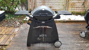 Weber Q 2200 Gas Grill and Stand in Stuttgart, GE