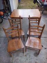 Oak Table & Chairs in Wilmington, North Carolina