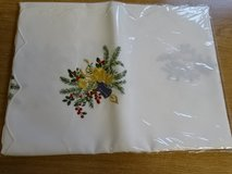 German chrismas table cloth  * Tischdecke  with artful embroidery * new in Ramstein, Germany