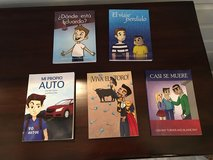 5 Spanish Reader Paperback Books in Batavia, Illinois