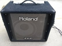 Roland Bass Amp in Glendale Heights, Illinois