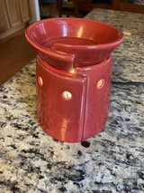 Scentsy Mid Size Tribeca Warmer in Fort Belvoir, Virginia