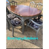 table 6 chairs and a leaf in Clarksville, Tennessee
