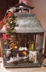 Look for a nativity scene or Xmas home decor? in Grafenwoehr, GE