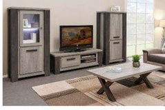 United Furniture - Matteo Entertainment with 70 inch TV Stand including delivery in Wiesbaden, GE