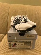 Ladies Nike Golf Shoes... brand new, never worn in Kingwood, Texas