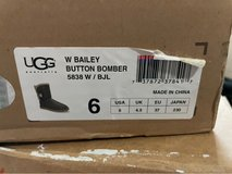 Ugg's size 6 in 29 Palms, California
