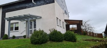 Lovely house in the green (110sqm),  Landscheid-Altenhof, quiet community - 12 min to the airbas... in Spangdahlem, Germany