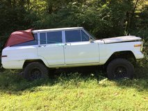 1986 Jeep Grand Wagoneer in Fort Campbell, Kentucky