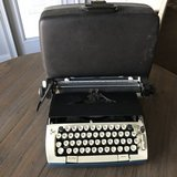 Vintage typewriter & case in Warner Robins, Georgia