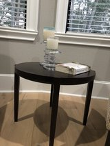 Round end table in The Woodlands, Texas