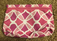 Estée Lauder New Pink Print Cosmetic Bag in Fort Campbell, Kentucky