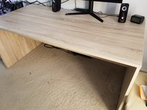 Computer desk with side drawers in Alamogordo, New Mexico