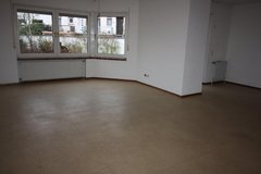 Cozy 4 Bedrm Townhouse w/ Garage and Fenced Yard - Vogelweh school district in Ramstein, Germany
