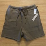 FEAR OF GOD ESSENTIALS Fleece Shorts Taupe LARGE in Ramstein, Germany