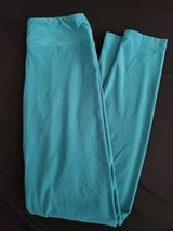 LulaRoe solid color leggings in Naperville, Illinois