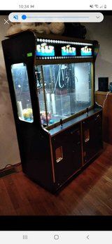 6ft  tall double claw machine. in Duncan, Oklahoma