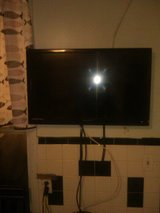 """EMERSON LED DOLBY DIGITAL HDMI 32"""" FLAT WALL MOUNT in West Orange, New Jersey"""