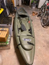 Pelican single person kayak with oar in Alamogordo, New Mexico